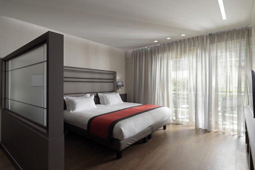 Holiday Suites Arnis Street - Μπορεί μια όαση να γίνει ομορφότερη