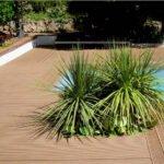 Σύνθετα ξύλινα δάπεδα WPC DECK WERZALIT - Πατώματα TERRAZA, φυτά δίπλα σε πισίνα