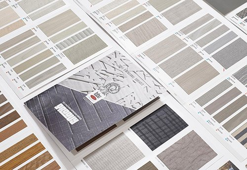 GROOVY | STRUCTURED – EXPRESSIVE COLLECTION by TABU Τα φύλλα καπλαμάδων GROOVY διατίθενται σε standard διαστάσεις: 1250 x 2500 ή 1250 x 3050mm, ανάλογα με το Decor. Η συλλογή των δέκα τύπων GROOVY επιλέχθηκε με γνώμονα τις τάσεις του σύγχρονου design στην αγορά, όμως για τις ανάγκες ειδικών projects, μπορεί να διαμορφωθεί ανάλογα με τις επιθυμίες των designers, κατόπιν παραγγελίας.